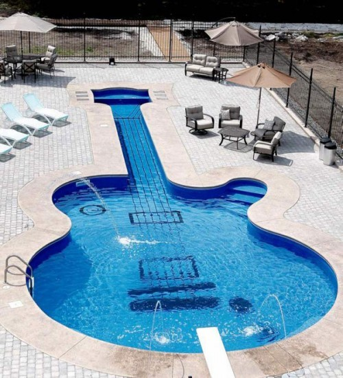 Les Paul Guitar Swimming Pool Yes, please. (sauce)