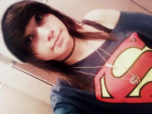 b-roski:  i fail at dressing up and being pretty and stuff so SUPERMAN