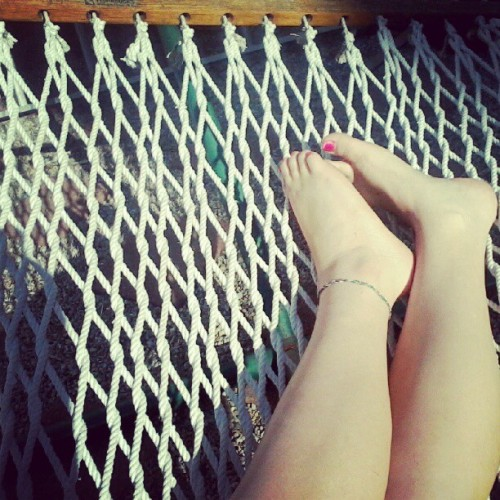 #feet #legs #me #anklet #hammock #rope #wood #laurens #outside #relaxing (Taken with instagram)
