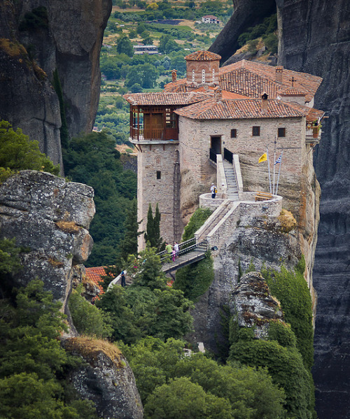 aconglomerateofthought:  Roussanou Monastery, Meteora, Greece (v2) by castellucci on Flickr.