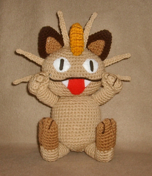 Free pattern for Meowth