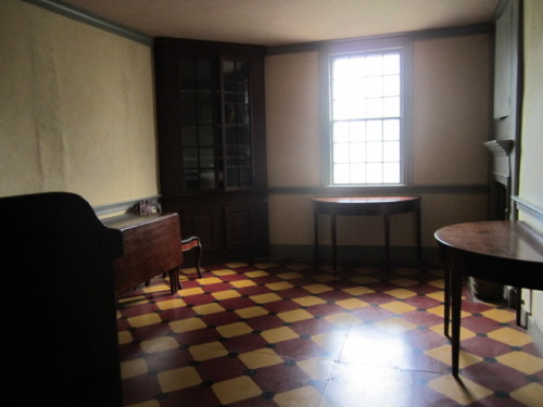 18th century house with original furniture, corner cabinet c. 1802
