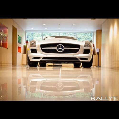 One of my favorite shots from a recent shoot in NY at Rallye Motors. #cars #mercedesbenz #canon5d  (Taken with instagram)