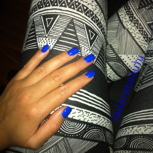 Blue Nails & Tribal Leggings. 💙 #hi #girl #nyc #night #blackandwhite #jj #ig #ignation #instahub #instagood #instalove #instamood #iphonesia #iphonenography #instagroove #tribal #trend #blue #nails #nailsinc #nailpolish #bakerstreet #london #love #fashion #fashiondiaries #americanapparel #leggings 💙💙💙 (Taken with Instagram at Starbucks)