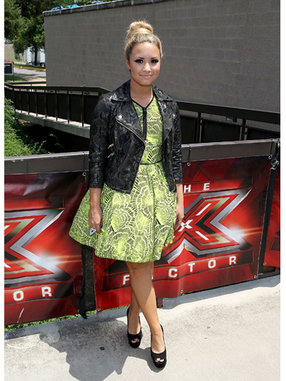 teenvogue:  Demi Lovato is one of our best-dressed celebs of the week in this edgy-meets-sweet ensemble by Topshop. Check out the rest of the stars who topped our list »