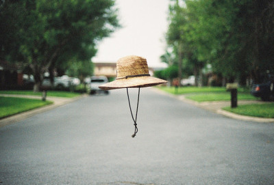 Sombrero volador! (via Untitled | Flickr - Photo Sharing!)