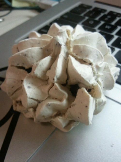 Meringue cookie (: