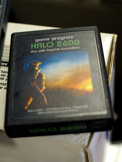 it8bit:  Halo 2600 Photo by Ian Muttoo