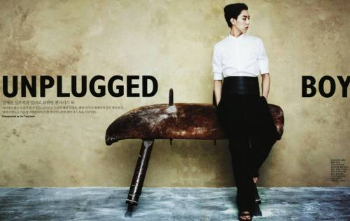 Singles Korea Title: Unplugged Boy Model: CN Blue's Lee Jeong Sin Photographer: Zoo Yong Gyun