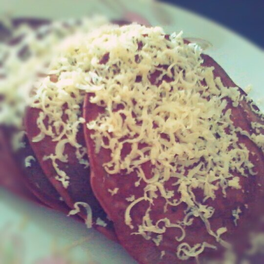 i just made chocholate cheese pancake.. yummy.. ^___,^)#photography #CapturedMoment #food #homemade #pancake #chocolate #cheese(from @mputrex on Streamzoo)