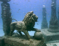 avijpeg:  the underwater royal quarters of cleopatra, 35 bc, discovered off the shores of alexandria.