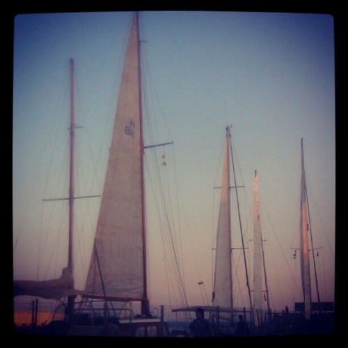 Let's go sailing! #boats #sails #sea #barcelona #ubiquography  (Tomada con instagram)