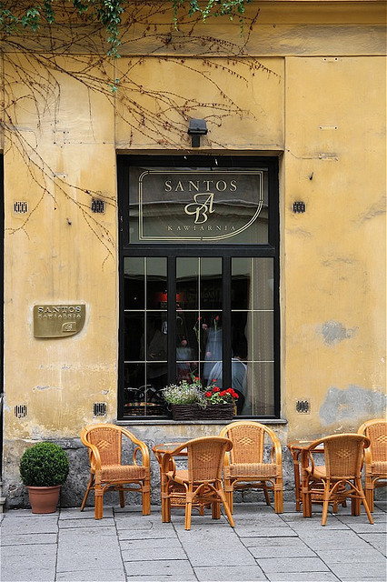 vorldominashunn:  Cafe in Krakow, Poland by Vagabond@heart on Flickr.
