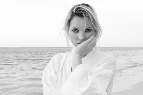 Kate Moss on the beach #3