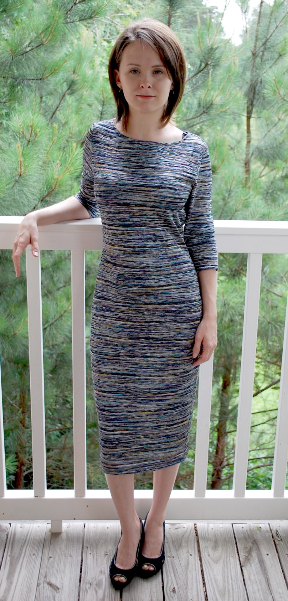 Sarah Waynick, one of the winners of our Searle Dress Giveaway, sent us a pic of her in her dress. Doesn't she look absolutely fabulous? Thanks for sharing, Sarah!