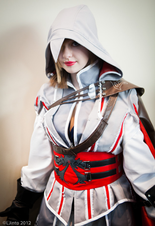 Ezio Auditore da Firenze (female version) from Assassin's Creed 2Photographer: Leonard Jinto