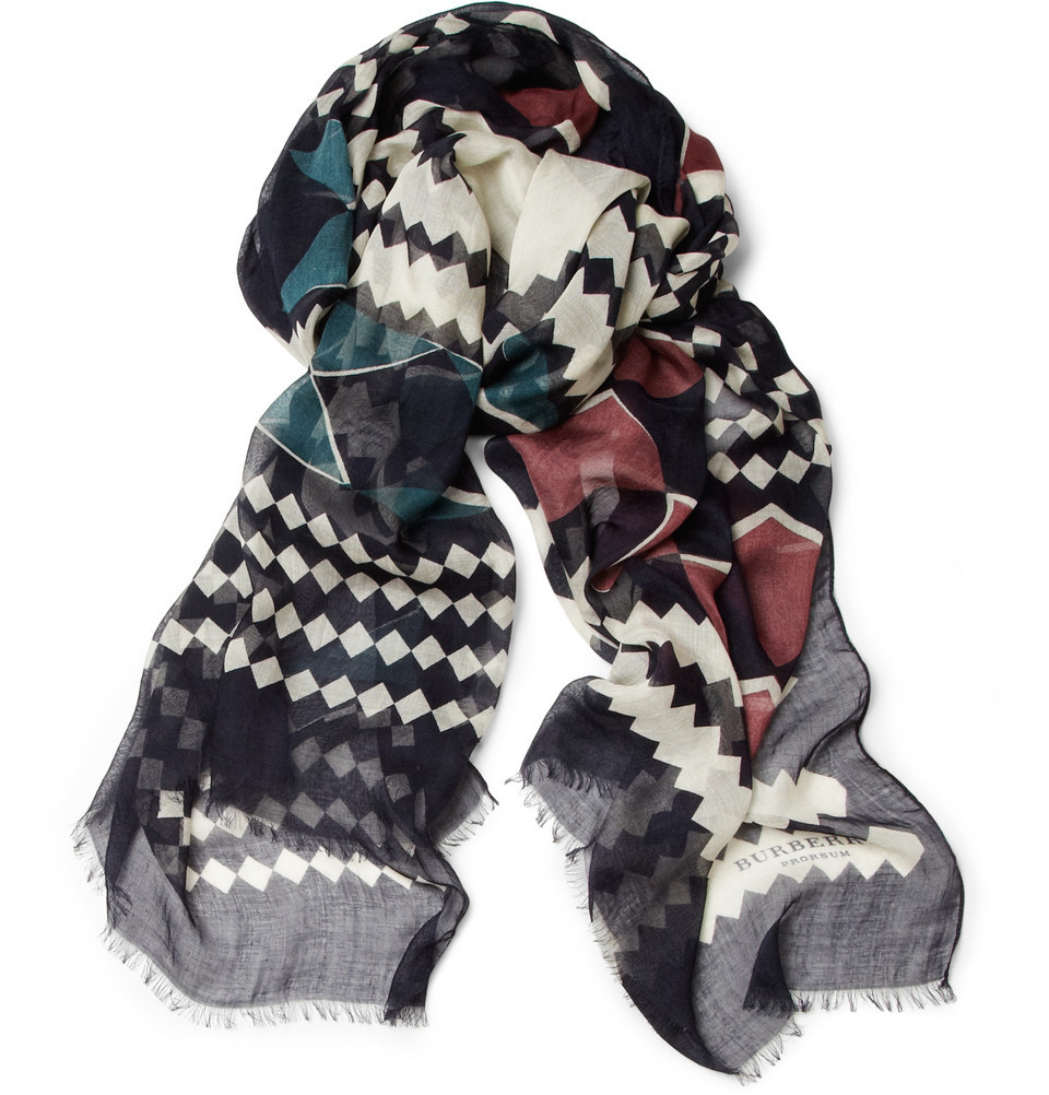 Our pick of the week's new items? This impeccable #Burberry Prorsum scarf