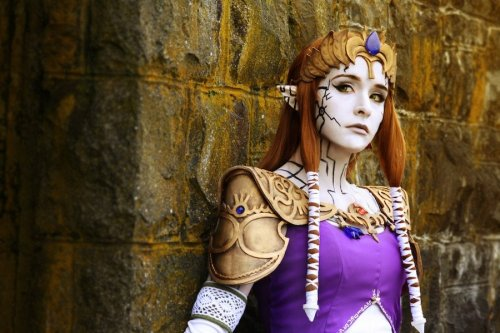 cosplayblog:  Puppet Zelda from The Legend of ZeldaCosplayer: RikkuGrapePhotographer: Angiechuu