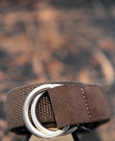 Ring buckle brown cotton canvas belt / Cinturon de algodon marron elastico
