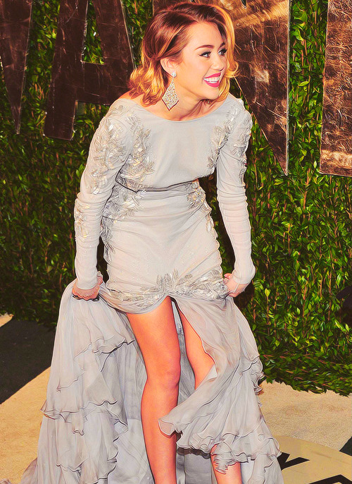 ownmyheartt:  27/50 favorite pictures of Miley Cyrus