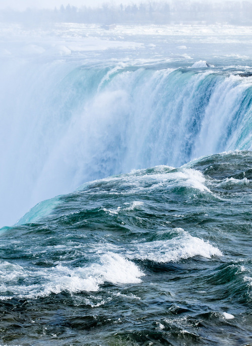 opcion:   The Falls (by Aaron McKinnon)