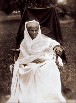 "cartermagazine:  Today In History 'Harriet Tubman, abolitionist, author, and engineer of the Underground Railroad, led Union Army guerillas into South Carolina and freed nearly 800 slaves on this date June 2 1863. Tubman was the first woman in U.S. history to command an armed military raid.' ""I freed a thousand slaves I could have freed a thousand more if only they knew they were slaves."" - Harriet Tubman (photo: Harriet Tubman) - CARTER Magazine"