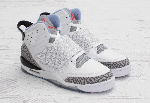 "Jordan Son of Mars Girls ""Prism Blue""There will be another Jordan Son of Mars to release alongside with the Black/Varsity Red colorway. This time, the girls will get some love with their own special colorway in White/Prism Blue-Wolf Grey. The combination of these light colors will be perfect for almost any summertime occasion.The upper is predominately white with accents of Wolf Grey and Prism Blue from the inner liner, logos, and straps. The Jordan Son of Mars Girls White/Prism Blue-Wolf Grey is available now at Jordan Brand accounts such as CNCPTS. The retail price is set at $115."
