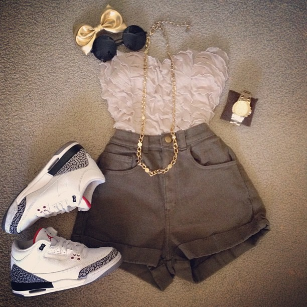 #ootd gold and olive… #Jordan3s #AmericanApparel #MichaelKors #curiouserlia  (Taken with instagram)
