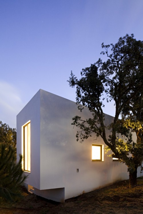 qb78:photo by © Nelson Garrido via http://www.archdaily.com