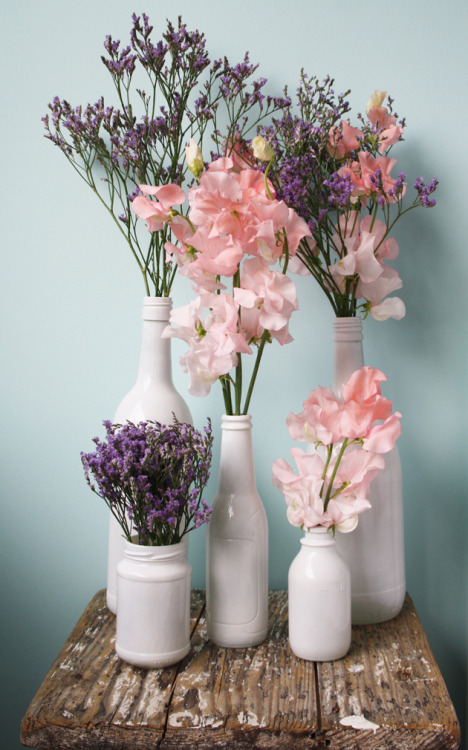 77wild-hearts:  Diy painted bottles