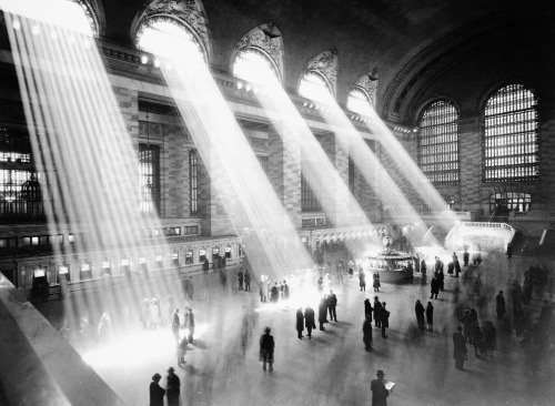New York City's Grand Central Terminal. Circa 1935-1941. Source and more pics