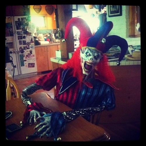 I shouldn't have to come home to this #scary #clown #pictureoftheday #picoftheday #iphonesia #instagood #instahub #abstract #instagramonly    (Taken with instagram)