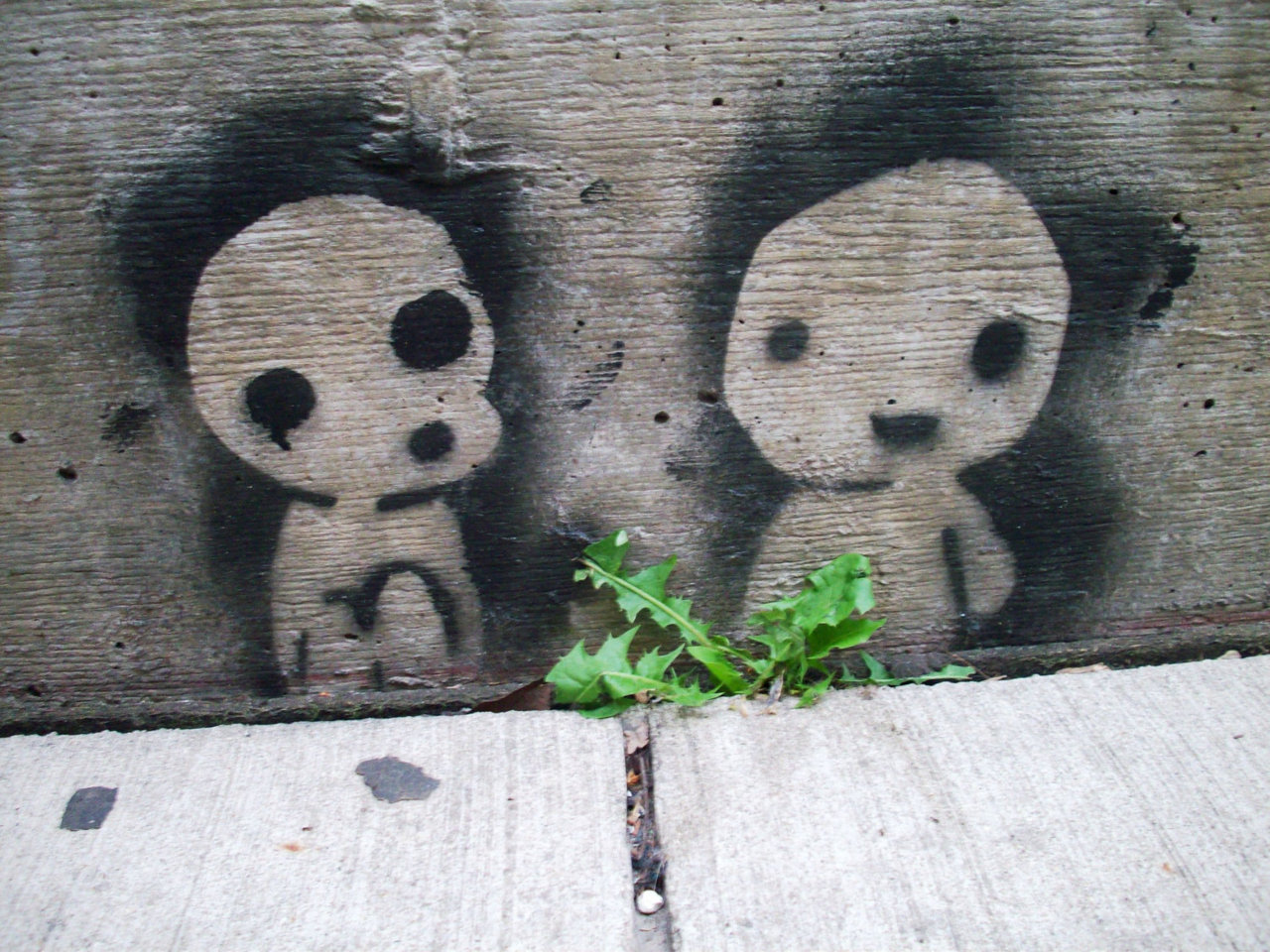 Kodama graffiti (available as a magnet from chikalookate on Etsy)