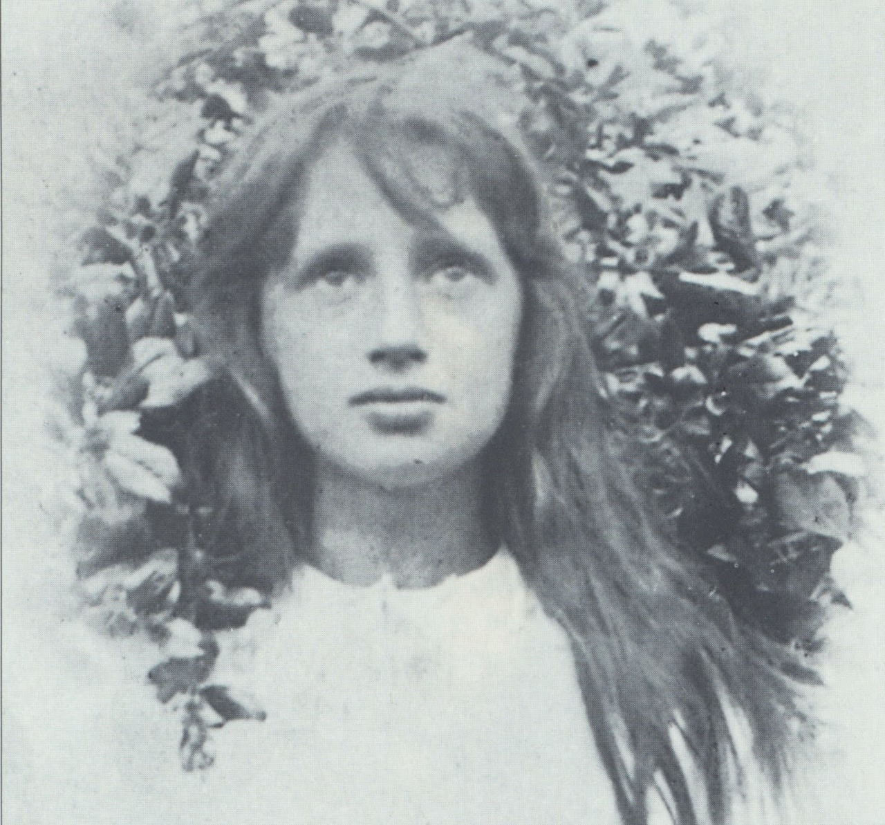 madnessletters:  Young Virginia Woolf.