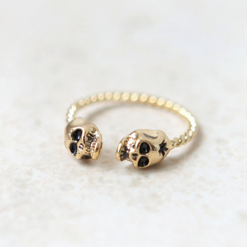etsygoodies:  (via Tiny Skulls ring in gold / adjustable ring by laonato on Etsy)