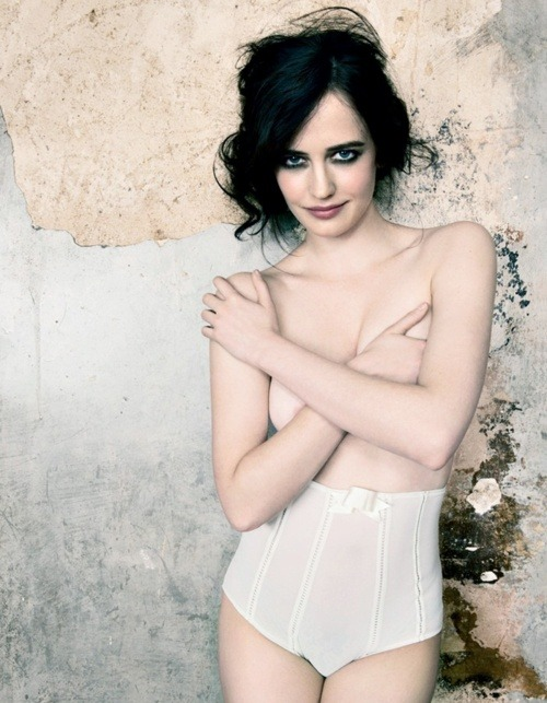 charmanteetmortelle:  fuckyeahhotactress:  Eva Green  yep, she's perfect <3