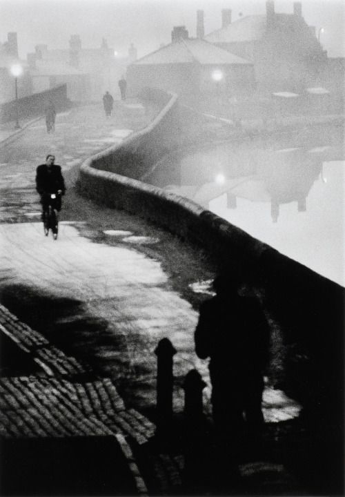 mondonoir:  John Bulmer, Tipton at Dawn, from The Black Country series, 1961