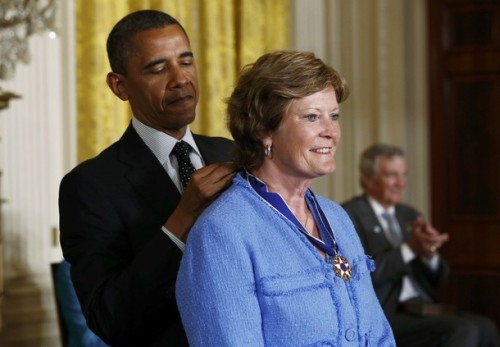 apsies:  President Obama awards a 2012 Presidential Medal of Freedom to former University of Tennessee basketball coach Pat Summitt during a ceremony in the East Room of the White House, May 29, 2012.