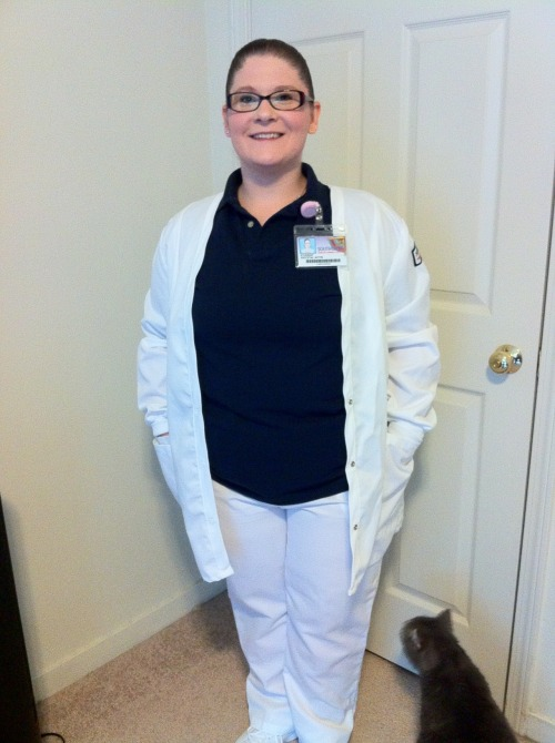 Nursing School clinical attire for Southwest Tennessee Community College. I make this uniform look hawt! admit it! YUP. LOL Apparently my cat Orion was wanting to be in the picture as well. =P FOLLOW THIS BLOG