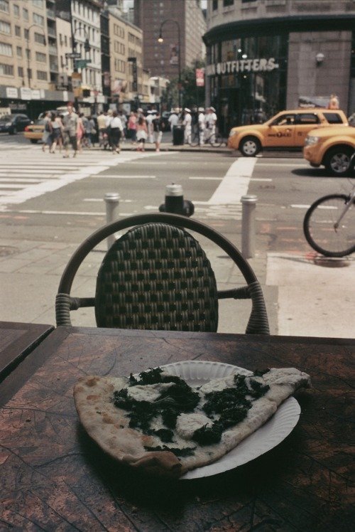 a lonely new york pizza x emma