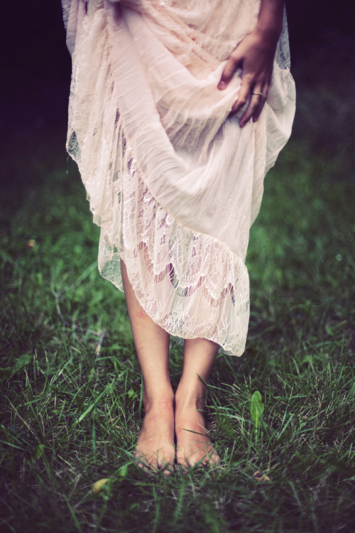 lovely-bohemian:  I love being barefoot