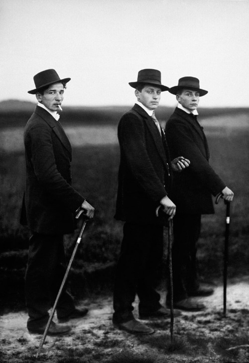 firsttimeuser:  Young Farmers by August Sander
