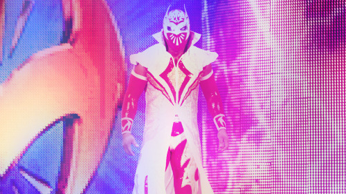Sin Cara returns Smackdown!