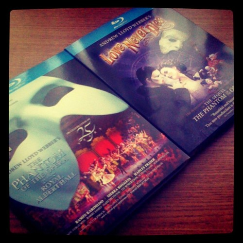 Tears of sadness or of hate? #poto #loveneverdies #fridaynight (Taken with instagram)