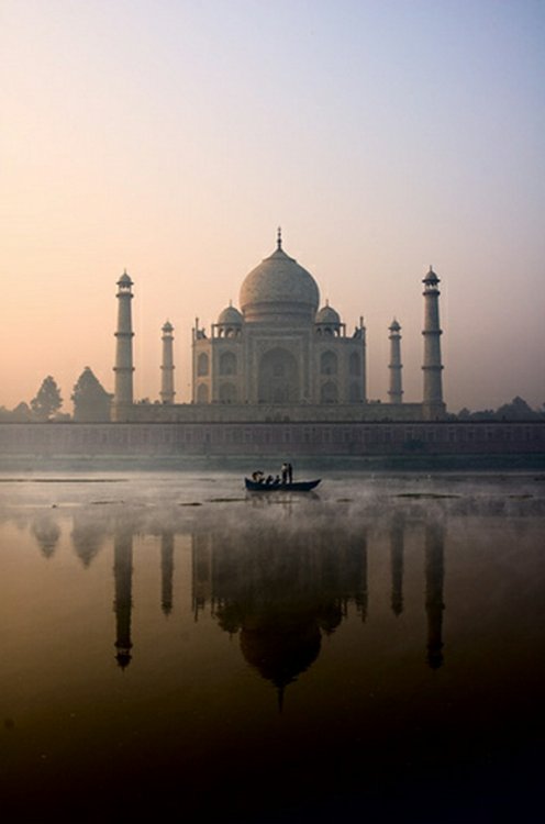 souls-of-my-shoes:  Taj Mahal, Agra, India