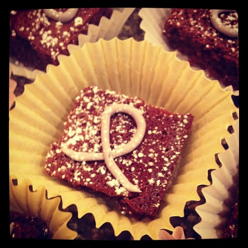 hannnnnahj:  relay for life brownies! buy tmr for $1! (Taken with instagram)