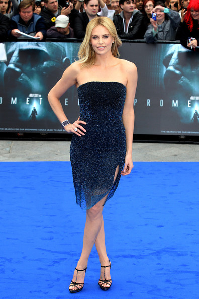 Premiere Style de…. Charlize Theron. click the picture to read the full history…