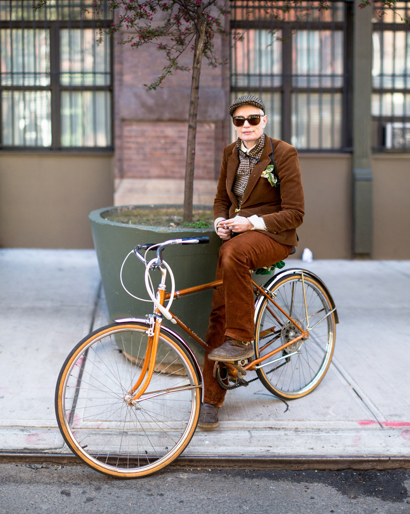 delightfulcycles:  #BikeNYC Portrait: Nora (by Dmitry Gudkov)