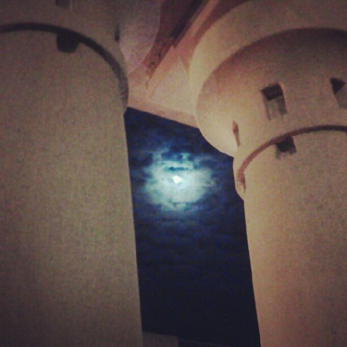 #Moon between #pillars on the balcony courtyard (Taken with Instagram at Schermerhorn Symphony Center)