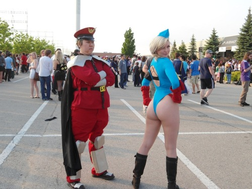 M. Bison photobombs Cammy by *TheSpazOutLoud  She has an ass and was showing if off. I am an asshole and was showing it off as well. It took her a while before she realised I was standing there.